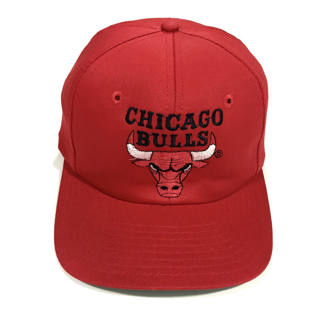 e46797bf5ab Vintage 90 s NBA Chicago Bulls snapback hat. Red color with - Depop