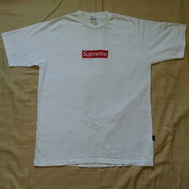 Authentic Supreme Embroidery Box Logo T Shirt Tag  In  Pit - Depop 87d835121b6