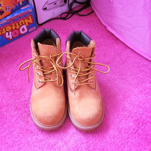 56970679578e Girls timberlands size 12