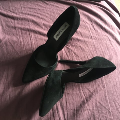 ebe31a64da6 Selling my gorgeous prom shoes... STEVE MADDEN size 4 court - Depop