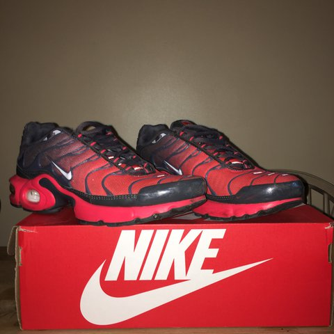 Red and grey TNs size 5.5 Been worn a