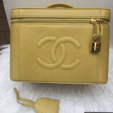 136a616784eaa0 @oyeinvic. last year. Orpington, United Kingdom. CHANEL Vintage Caviar Cosmetic  Case With Leather ...