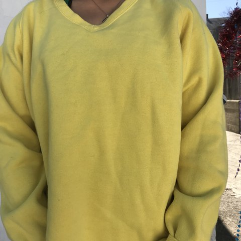 45121022315d Izod lemon yellow pull over sweater Labeled a size medium