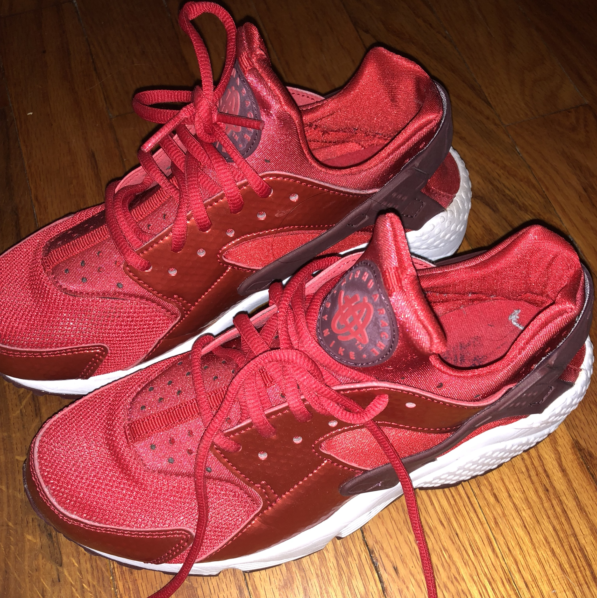 low priced 92968 958ba Red huaraches women's size 8 . Dm me for offers... - Depop