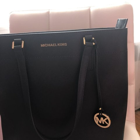 ec7c56b8014e Michael Kors bag  michaelkors  tote  bag  fashion  navyblue - Depop