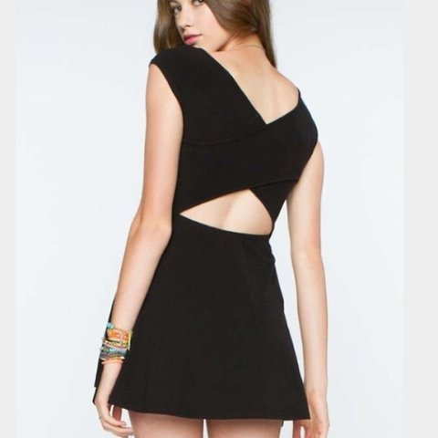 fd0d033ae8 Black dress with criss cross back. From PacSun but identical - Depop