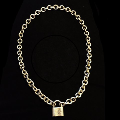 5c670cb23 @lotti_lou. 2 years ago. Newbury, UK. Tiffany necklace. Well worn but still  in great condition.