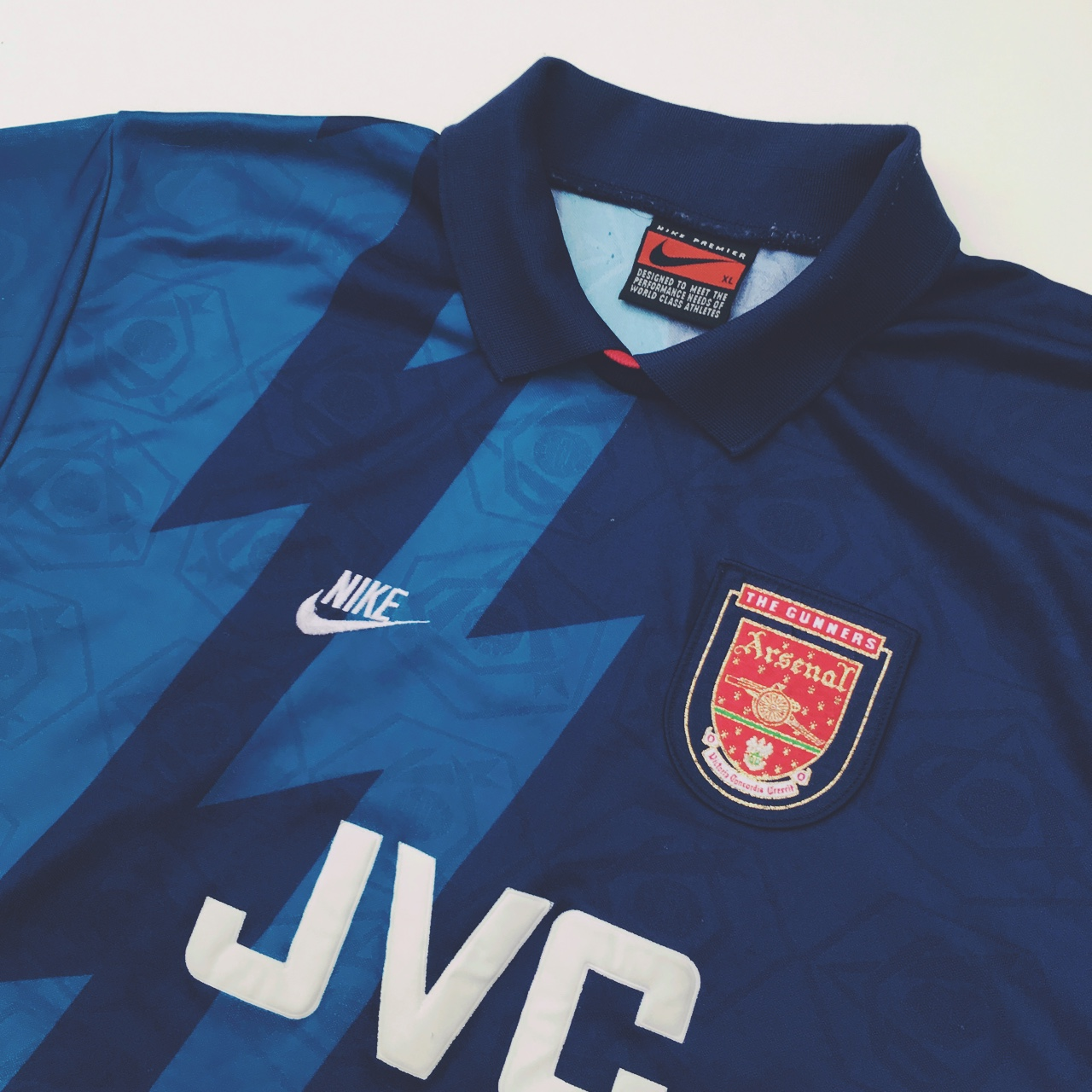 half off 3cb47 d4131 VINTAGE WAVEY NIKE ARSENAL AWAY SHIRT 1995-1996 ...