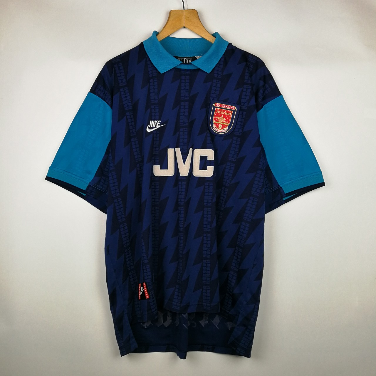 first rate 79bd8 501ee VINTAGE OVERSIZED NIKE X ARSENAL FC 1994/1995 S/S ...
