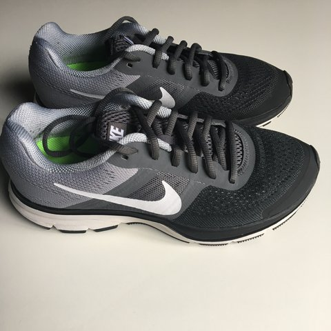 2acb0d3235bef Women s Nike Pegasus 30 trainers Size UK great condition as - Depop