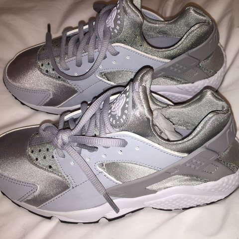 0dde02aa4c6 PLS MESSAGE BEFORE BUYING NEW NIKE Huarache in grey Size 4.5 - Depop