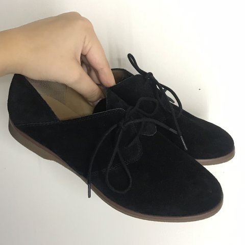 3f38e14f236 Super cute Oxford shoes! Extremely comfortable   is a suede - Depop