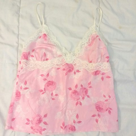b872bcc53a848 NEW Small Pink Floral Lace Top 100% silk Tags   forever21
