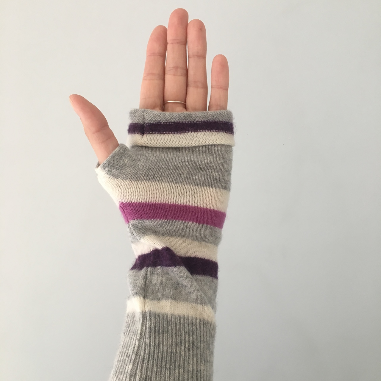 ❄️Lovely #turtledoves #cashmere fingerless #gloves