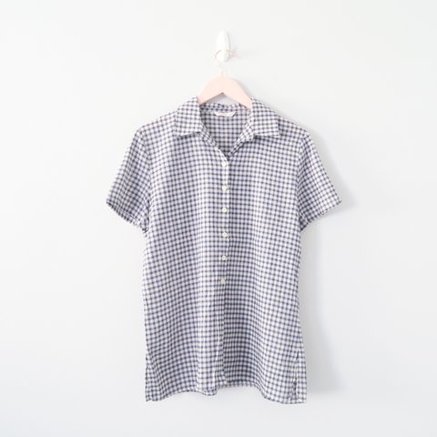 86bb4b78 @madelainey. in 15 hours. United Kingdom. Cute 90s vintage navy blue  checked button up blouse shirt ...
