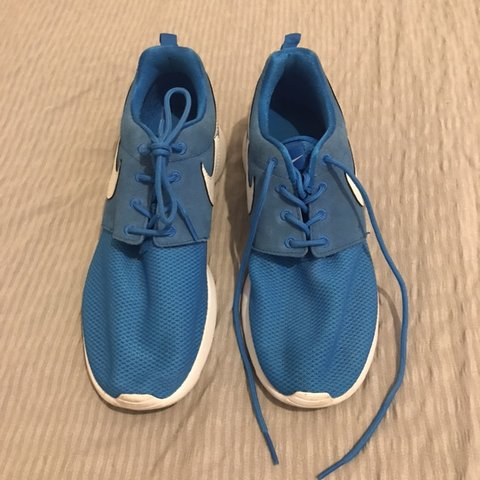 07021be10384 Women s size 5 blue Nike trainers - excellent condition