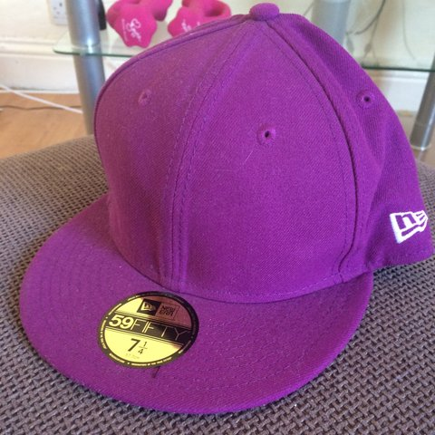 74c2e5980663d6 @clarebear94. 3 years ago. Plymouth, Plymouth, UK. Brand new Genuine new  era hat size 7 1/4 ...