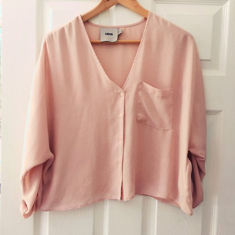f151c626e7ec75 💕Blush pink shirt/blouse. Almost a cropped length and 3/4 - Depop