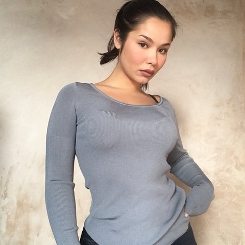 46946ce296995a @0006. 4 months ago. Thornton Heath, United Kingdom. Blue long sleeve low  cut top with ribbed pattern in a size ...