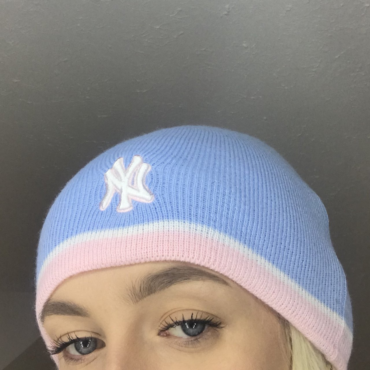 c7c07a728b4b8a OG Y2K 2000s vintage NY Yankees baby pink white and blue hat - Depop
