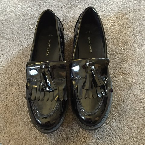 17ce372d60e Black new look loafers with tassels