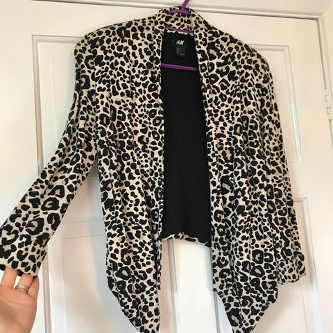 0efd519cead5 @laurareags. 2 years ago. Cottingham, United Kingdom. H&M Leopard Print  Waterfall Jacket ...