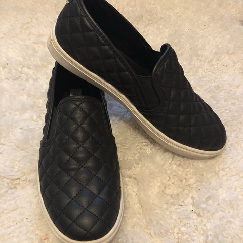 bbc54269b2b7 Black Steve Madden Ecentrcq sneaker -so comfortable and 3 - Depop
