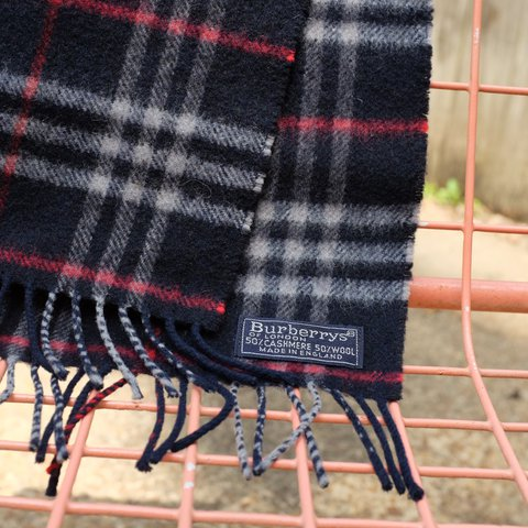 Classic Authentic Vintage Burberry Scarf 50 50 Cashmere And Depop