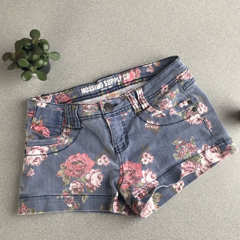 e6a0ee473 Faded floral denim shorts 🌸✌🏽 (size 5 is junior, to a I a - Depop
