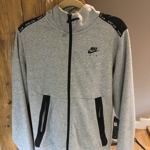 aaa13b8fa9a Men s Nike Air tracksuit. 10 10 conditions no flaws worn 1 2 - Depop