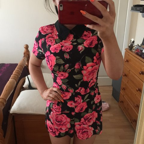 ed77d59c192 Selling this gorgeous flowery playsuit- 0