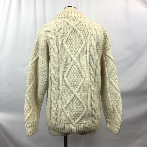 This wool cream pullover sweater is very heavy and thick! if - Depop 3c8695695