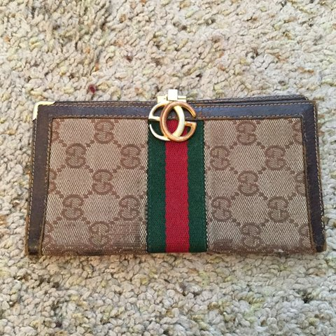 50fd5df46d7 Gucci vintage monogram checkbook wallet. Normal wear