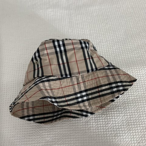 a80bc9d63921f BURBERRY PRINT BUCKET HAT - made in Korea - iconic novacheck - Depop