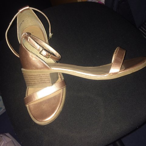 6ef606b79ed Lovely rose gold new look sandals with a short block heel. a - Depop