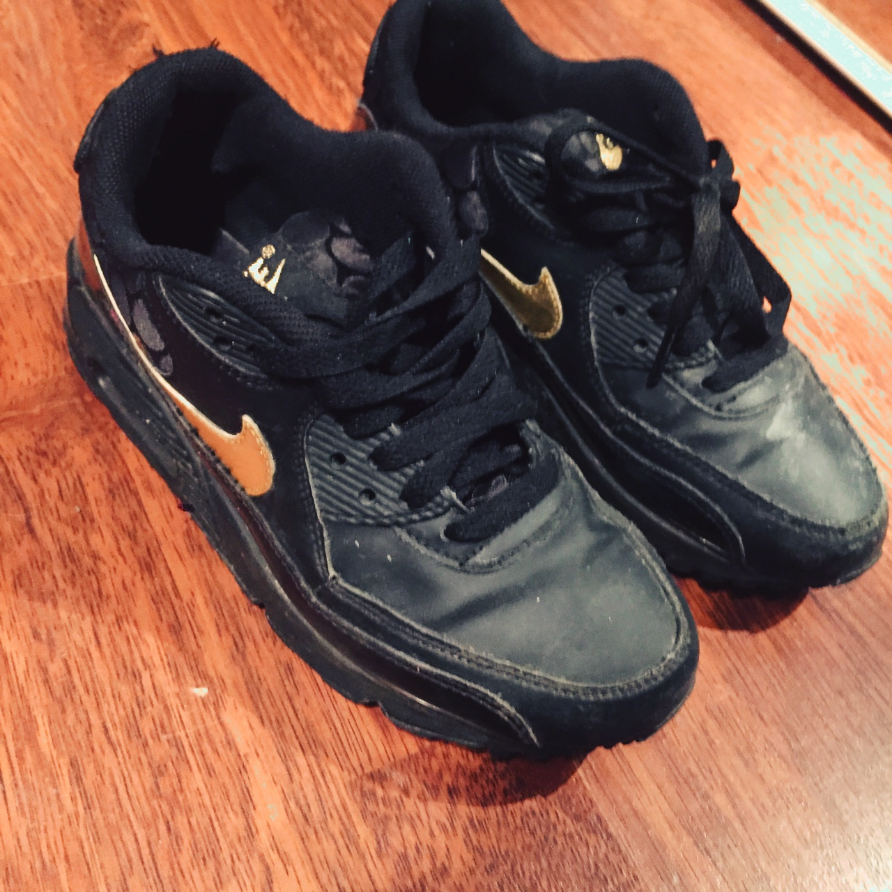 Black Nike air max 90 size 4 black with