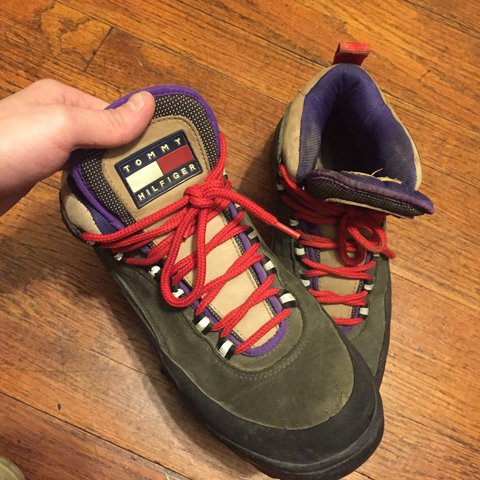 be73d05fa9a6  paanda666. 10 months ago. United States. Tommy Hilfiger vintage 90s shoes    boots - mens size 9 ...