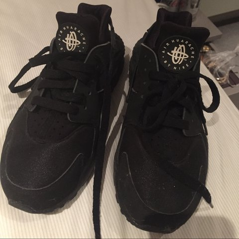 e2048ea45a2b UK 5.5 (but will also fit size 4) black huarache trainers. - Depop