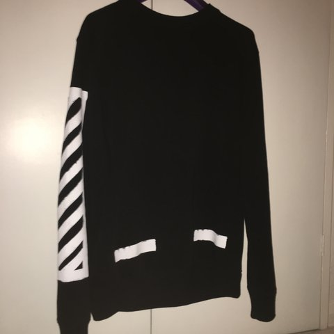 4f18a9e7aff0 Off white    jumper    great condition    bought in (have    - Depop