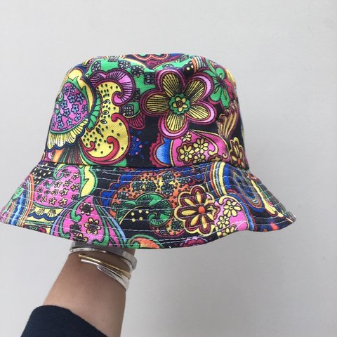 e76f11cf3e7 patterned bucket hat postage included in price red black leg - Depop