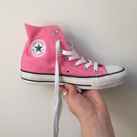 625e4b56386b Pink High Top Converse~ never worn. Size 5 in women s. They - Depop