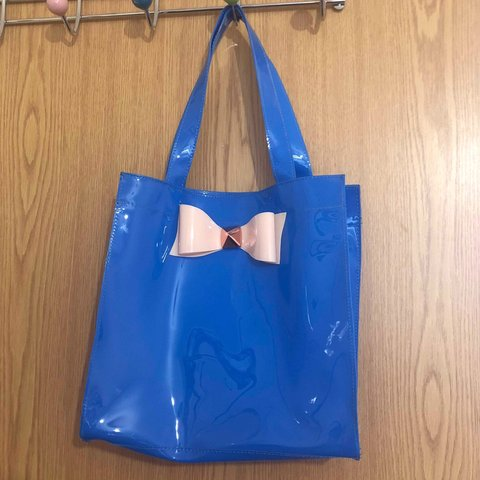 9e901aed62 Glossy royal blue mini square tote bag. Has a lovely pink on - Depop