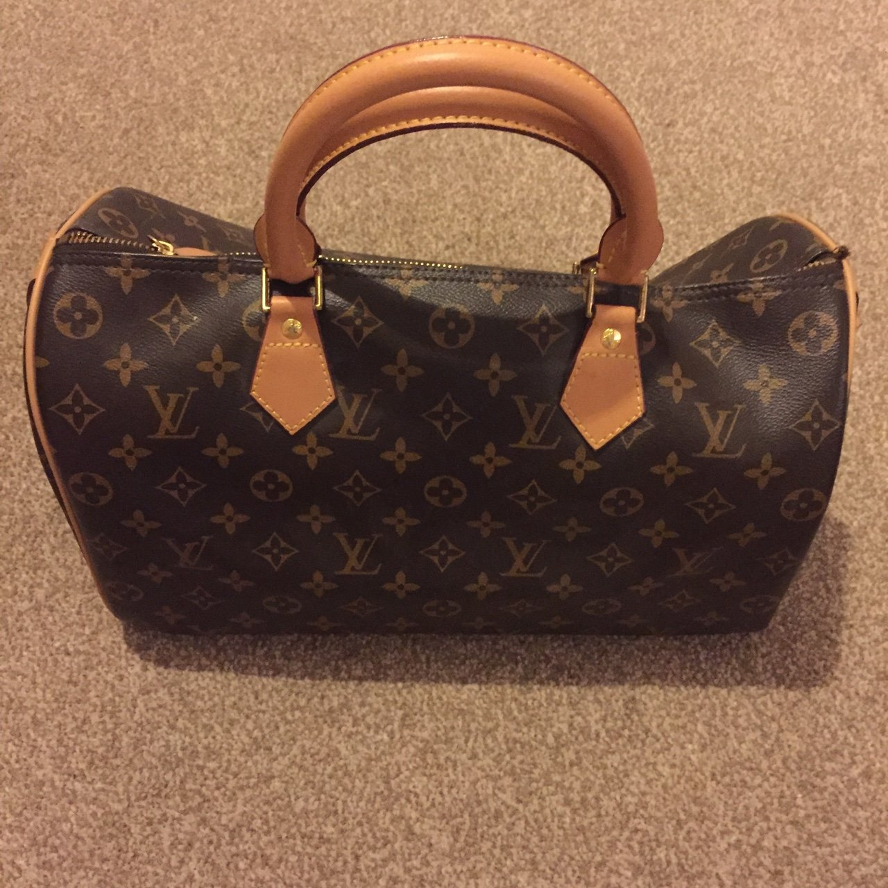 2e4a4f8f4a17 Louis Vuitton LV handbag. Never taken out and in perfect for - Depop