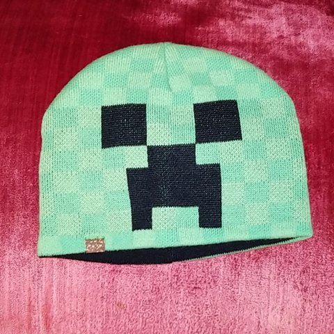 4b2cc7867f0ec Creeper minecraft beanie. I never wore this because it s not - Depop