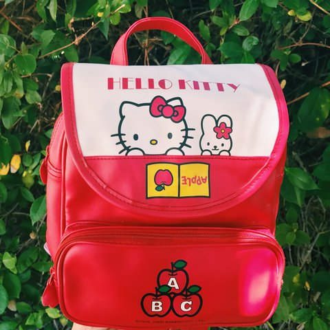 2869b6d1bb 1976 Hello Kitty vintage mini backpack 🎒 Not in perfect but - Depop