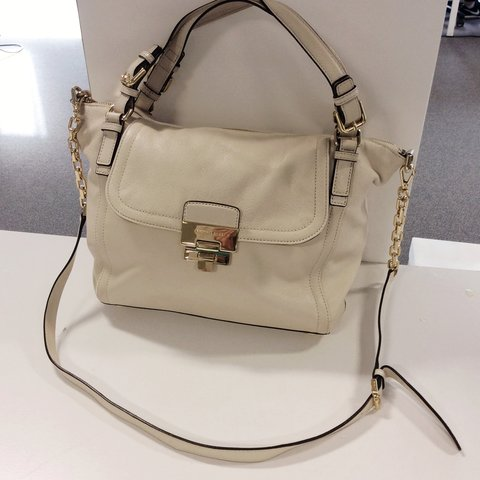 bff8ec2a2f55b9 @jyotimatoo. 3 years ago. Leeds, West Yorkshire, UK. Michael Kors Cream  handbag ...