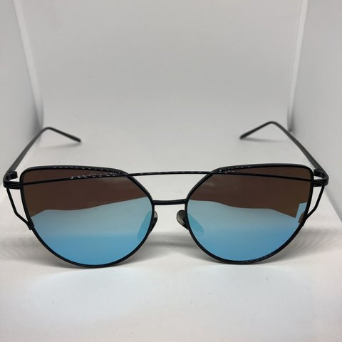 670ce369ae48b 🕶 Unisex Women s   Men s Sunglasses 🕶 Dark Polarised     - - Depop