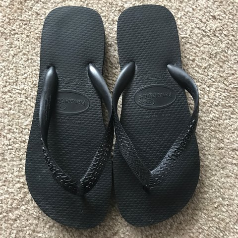 a2c516f36e0d9a Black Havaianas UK size 5 Only been worn once  sold on eBay  - Depop