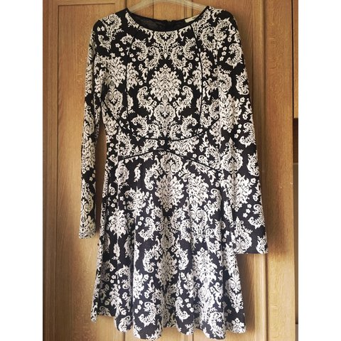 d23661fb61603 Beautiful fit Oasis dress bought last year over Christmas. a - Depop
