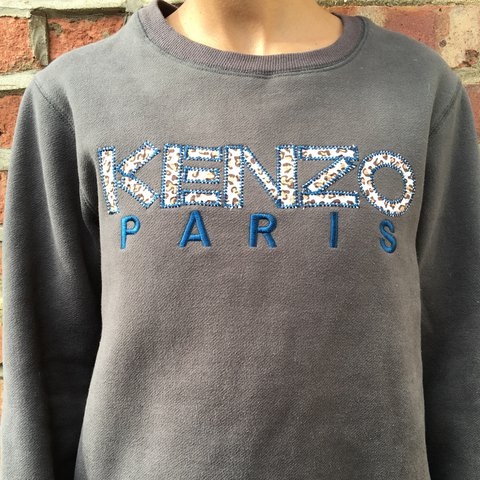 2d524396 KENZO vintage embellishment jumper. Khaki colour with print - Depop